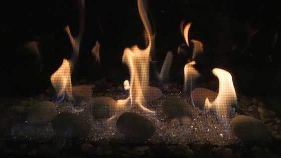 Grand insert flame close up